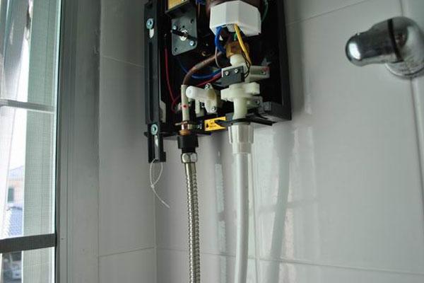 เปิดเครื่องทำน้ำอุ่นแล้วน้ำไม่อุ่น แก้ได้ง่ายๆ ไม่เสียเวลา